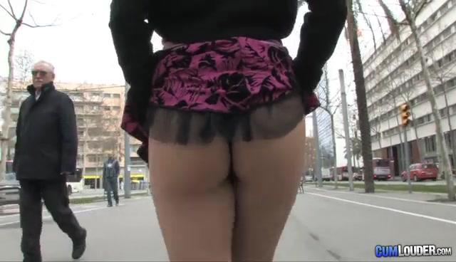 Lady Mai da una vuelta en publico y luego a singar-Xnalgas.com miniatura 2