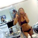 kim-kardashian-selfie (6)
