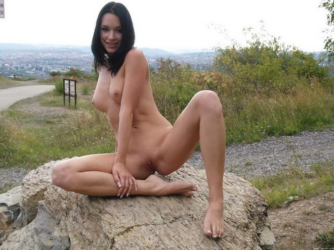 Legal muy joven desnudo