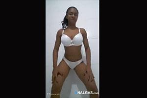 nina-brasilena-sexy-culo